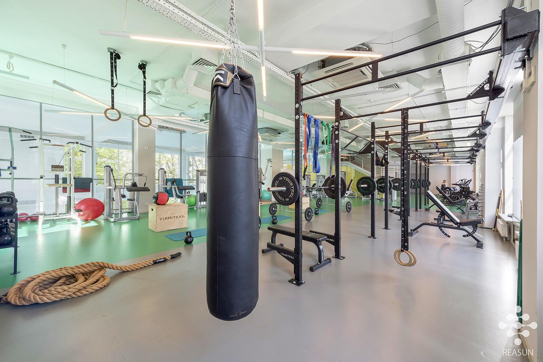 zal silovogo i funkcionalnogo treninga — Реасан
