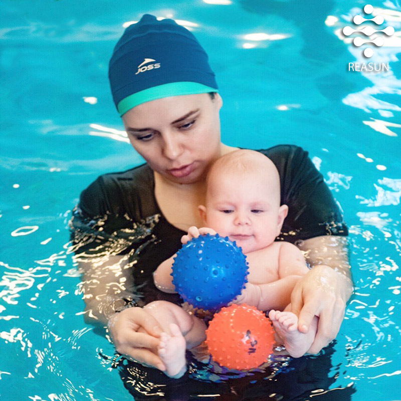 Плавание-для-новорожденных-в-Реасан