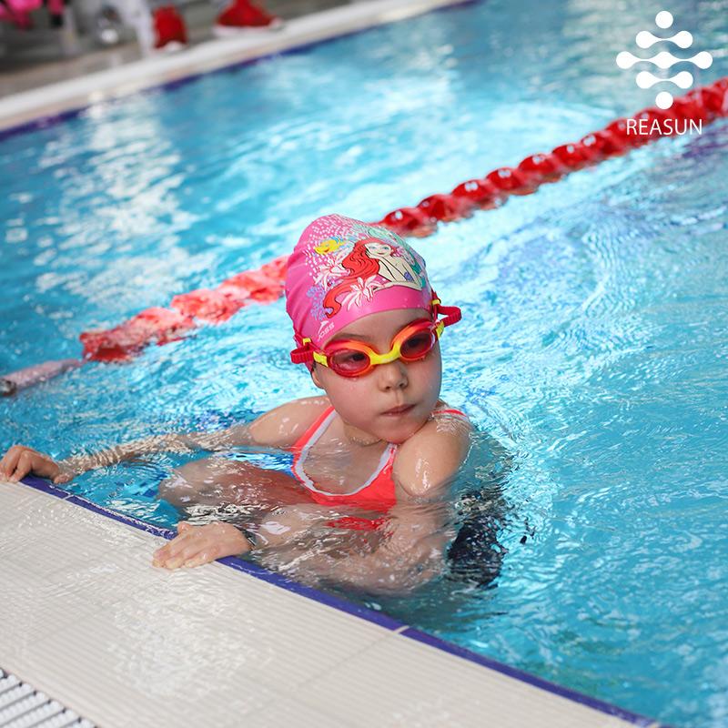 посещение-бассейна-для-всей-семьи